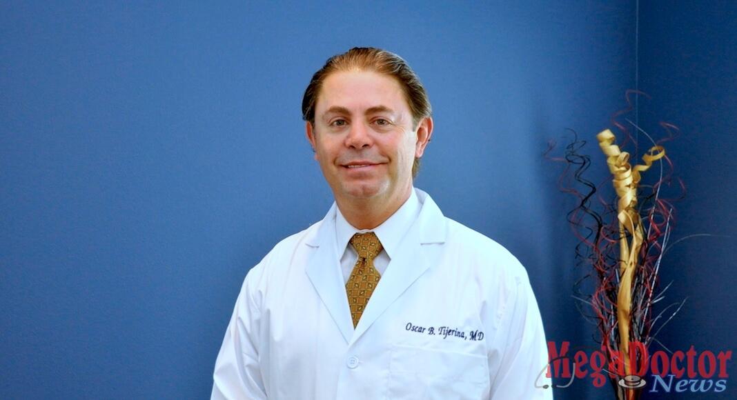 El Dr. Tijerina es entrevistado por Mega Metrópolis Health & Fitness, en el Lobby del Centro Urgent Care 4U.